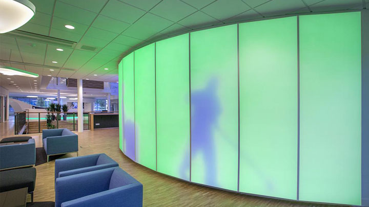 Luminous textile-panelen, toegepast in de ISS University